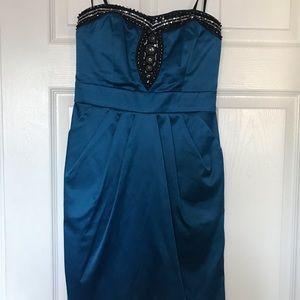 Short dark blue strapless dress